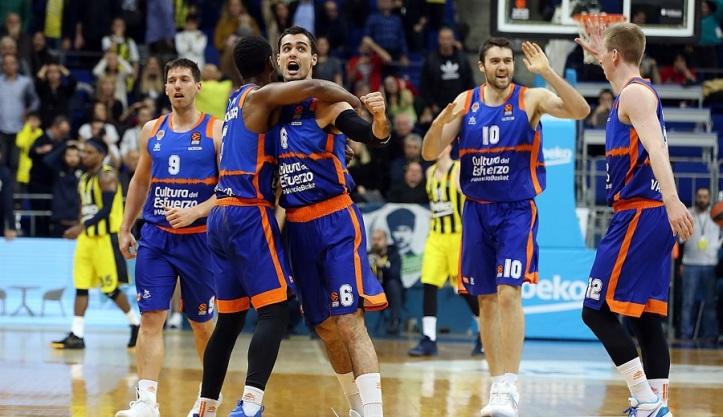 alberto-abalde-celebrates-valencia-basket-eb19